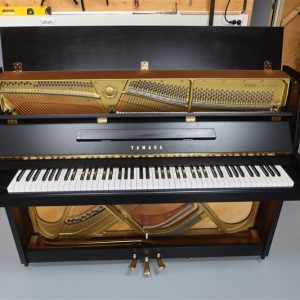 Yamaha Piano M110